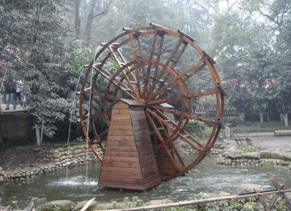防腐木水車